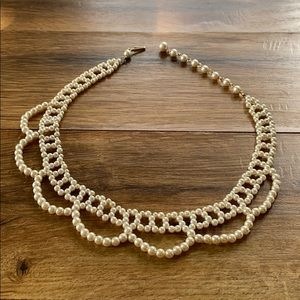 1987 Avon Pearlized Lace Collar Necklace